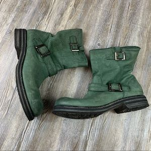 ZERODB Green Leather Ankle Bootie Size 42